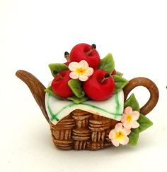 1/12TH scale basket with red apples teapot by Lory by 64tnt