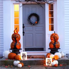 Front Porch Stacked Pumpkin Display decorate porch ideas front halloween pumpkins stacked