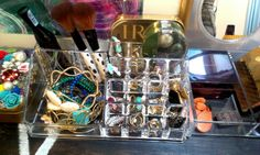 Simple diy jewlery holder- organize your vanity