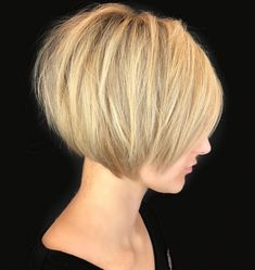 60 Classy Short Haircuts and Hairstyles for Thick Hair Short Sliced Blonde Bob - Farbige Haare Bobs For Thin Hair, Short Hairstyles For Thick Hair, Short Bob Haircuts, Short Hair Cuts, Curly Hair Styles, Funky Hairstyles, Formal Hairstyles, Thick Haircuts, Medium Hairstyles