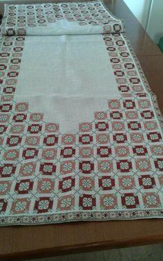 Cross Stich Patterns Free, Free Pattern, Cross Stitching, Cross Stitch Embroidery, Crochet Granny, Lassi, Diy Crafts, Rugs, Hgtv