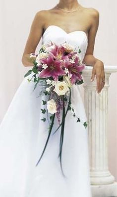 I like the look of this bouquet then add some sparkle in it..