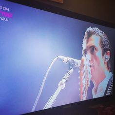 the_king_of_pretend/2016/11/13 04:48:00/House sitting at my sisters gaff and find AM on her recordings from over 2yrs ago!😂#arcticmonkeys #alexturner #readingandleeds #housesitting #bored #rocknroll #rocknrollsaturdays #doiwannaknow #lucky #buzzin