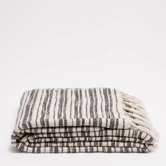 Image 1 of the product BLANKET WITH BLACK AND WHITE LINES