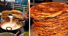 Los tradicionales y deliciosos buñuelos que le han dado fama al barrio histórico del Santuario de Nuestra Señora de Guadalupe, son una de las delicias callejeras que se ofrecen en el centro de Guadalajara. Su crujiente