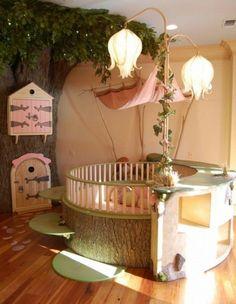 Décoration intérieure / Chambre enfant bébé fille nursery /féerique / original / nature fée forêt / original insolite / lit bois rond berceau arbre / cabane / inspiration