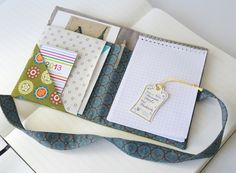 Taschenorganizer - Pocketbüro - Medaillon, Grün - ein Designerstück von miss-kornblume bei DaWanda