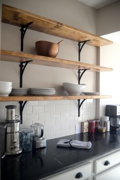 Don't allow things in your cooking area break down! Begin to arrange neatly. We have assembled an open kitchen rack suggestion to make it less complicated for you to organize products in the cooking area. Diy Kitchen Shelves, Kitchen Rack, Wood Shelves, Home Decor Kitchen, Kitchen Cabinets, Industrial Shelving Kitchen, Live Edge Shelves, Hanging Shelves, Young House Love