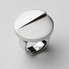 Patrik Hansson - Large Silver Disc Ring - ORRO Contemporary Jewellery Glasgow - http://www.orro.co.uk