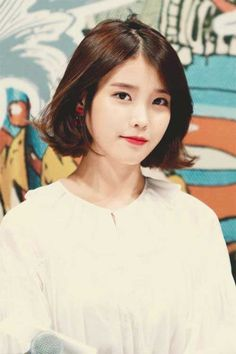 Korean bob hairstyles equal with trendy and creative hairstyles, and often with minimal styling you can get maximal appearance. The soft straight hair is. Bob Hairstyles 2018, Medium Bob Hairstyles, Cute Hairstyles For Short Hair, Creative Hairstyles, Trendy Hairstyles, Short Hair Cuts, Iu Short Hair, Korean Hairstyles, Korean Beauty