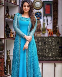 Designer Anarkali Dresses, Designer Party Wear Dresses, Kurti Designs Party Wear, Designer Gowns, Silk Kurti Designs, Printed Kurti Designs, Outfit Designer, Indian Designer Outfits, Indian Gowns Dresses
