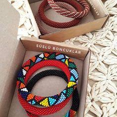 🅗🅐🅝🅓🅜🅐🅓🅔 🅑🅔🅐🅓🅢 (@suslu_boncuklar) • Instagram fotoğrafları ve videoları Friendship Bracelets, Jewelry, Instagram, Jewlery, Jewerly, Schmuck, Jewels, Jewelery, Fine Jewelry