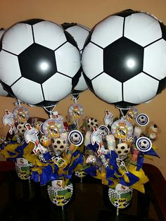 Centros de mesa Real Madrid Soccer Birthday Parties, Soccer Party, Dad Birthday, Soccer Decor, Tiger Cake, Halloween Look, Real Madrid, Party Themes, Birthdays
