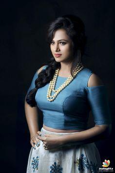 Tamil Actress Ramya Pandian New Photoshoot Stills. Beautiful Girl Indian, Beautiful Indian Actress, Beautiful Women, Beauty Full Girl, Beauty Women, Hot Actresses, Indian Actresses, Tamil Actress Photos, Indian Beauty Saree