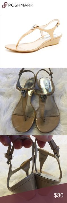 """✨MICHAEL KORS HAMILTON THONG SANDALS✨ MICHAEL Michael KORS tan patent leather thing Hamilton sandal. Size 6. Slight wedge heel measures 1.5"""" inches. Silver hardware. Signs of wear on the heels (pictured). One scuff on the strap of right shoe. Good condition MICHAEL Michael Kors Shoes Sandals"""