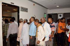 बलरामपुर एवं सूरजपुर जिले के सहकारिता प्रतिनिधि नया रायपुर स्थित मंत्रालय भवन पहुंचे. जहाँ सुरक्षा व्यवस्था की प्रक्रिया से गुजरने के बाद उन्होंने विभिन्न हिस्सों का अवलोकन किया. मंत्रालय के रजिस्ट्रार भगवान सिंह कुशवाहा ने उन्हें यहाँ के कामकाज की जानकारी दी. प्रशासनिक एवं सचिव ब्लाक देखने के बाद वे आधुनिक जिम में गए. प्रतिनिधियों ने यहाँ डम्बल्स उठाकर, साइकिलिंग कर अपना दम-खम दिखाया.