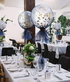 Black Gold Party Close up of our navy and gold tulle balloons More - Tulle Balloons, Clear Balloons, Wedding Balloons, Wedding Balloon Decorations, Birthday Table Decorations, Balloon Tassel, Glitter Balloons, Bridal Shower Ballons, Balloon Inside Balloon