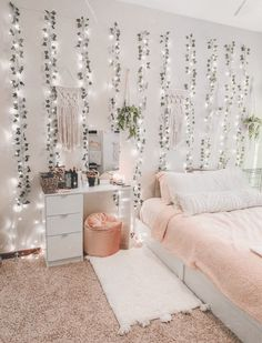 20 cute dorm room decor ideas on this page that we just love 22 Girl Bedroom Designs Cute Decor DORM Ideas love Page room Teenage Room Decor, Bedroom Decor For Teen Girls, Room Ideas Bedroom, Bedroom Inspo, Dream Bedroom, Bedroom Inspiration, Teenage Girl Bedrooms, Bedroom Furniture, Cute Bedroom Ideas For Teens