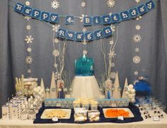 A Frozen Birthday Party - amazing ideas for party food, cakes, decorations, and more!