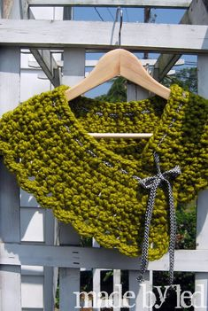 Crochet cowl....no pattern.....nice idea.....
