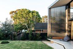 Inspiration for my backyard landscaping project Coastal Gardens, Small Gardens, Outdoor Gardens, Australian Garden Design, Australian Native Garden, Front Yard Landscaping, Backyard Patio, Privacy Landscaping, Landscaping Ideas