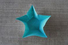 Mobile d'étoiles en origami - Dans les boîtes d'Eliaure... Decoration, Xmas, Cycle 3, Star Mobile, Paper Mobile, Starry Night Sky, Christmas, Decor, Navidad