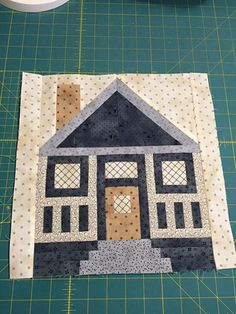 note the window fabric House Quilt Patterns, House Quilt Block, Paper Piecing Patterns, Quilt Block Patterns, Pattern Blocks, Quilt Blocks, Quilting Projects, Quilting Designs, Mini Quilts
