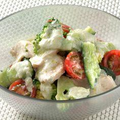 たたききゅうりと鶏肉のサラダ|ヨーグルトレシピ|明治ブルガリアヨーグルト|株式会社 明治