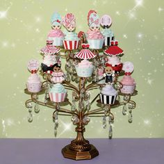 Www Onttreasures Chandelier Cupcake Stand Created And Tm Design By