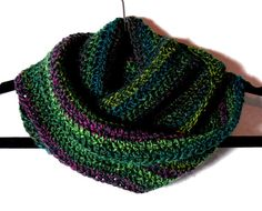 Crochet Infinity Mobius Scarf Cowl Green by SimplyStitcheduk