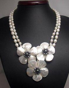 flor de collar collar de abalorios collar babero por audreyjewelry, $29.50