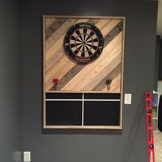 Dartboard wall barnwood/pallet