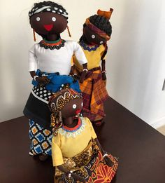 How adorable are these dolls! #doll #neobantu #neobantugirl #travel #africa #print #colorful