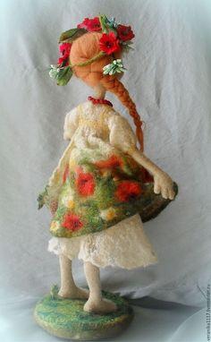 """Коллекционные куклы ручной работы. Заказать Войлочная кукла """"Маков цвет"""". Vera1117. Ярмарка Мастеров. Ярко-красный, для интерьера"""