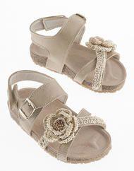 Βαπτιστικά πεδιλάκια για κορίτσια Christening, Girls Shoes, Espadrilles, Sandals, Fashion, Espadrilles Outfit, Moda, Shoes Sandals, Fashion Styles