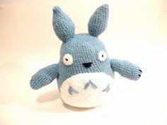 Totoro by Ariel Haug (www.facebook.com/Noonchi.Crafts), via Flickr  #amigurumi #crochet