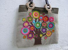 bag crochet by michallau Bag Crochet, Crochet Motifs, Crochet Handbags, Crochet Purses, Love Crochet, Crochet Crafts, Crochet Flowers, Crochet Projects, Crochet Patterns