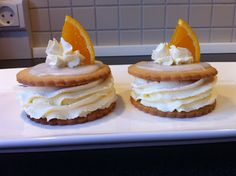 Stinas Kager: Medaljer Danish Cake, Danish Food, Eat Smart, Food Cakes, Candy Recipes, Mini Cakes, Waffles, Biscuits, Sandwiches
