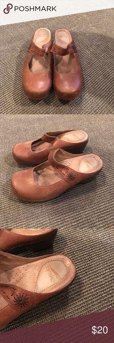 Dansko leather clogs Dansko leather clogs in good condition. Dansko Shoes Mules & Clogs