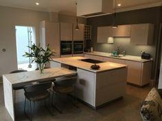 Stunning high gloss kitchen in Sheffield with 20mm Dekton Aura worktops.