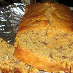 Southern Sweet Potato Bread with Pecans Recipe - Bread Recipes Sweet Potato Bread, Mashed Sweet Potatoes, Sweet Potato Recipes, Pecan Recipes, Bread Recipes, Cooking Recipes, Yam Bread Recipe, Vegetarian Recipes, Brunch Recipes