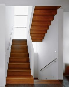 This entry was published on architekturmeldun . under offices, single-family houses, literature, Munich, Stephan Maria Lang. New release: Stephan Maria Lang - architecture for the soul - Architekturmelden.de Claudi Zengel claudizengel trepppen Th Contemporary Stairs, Modern Stairs, Contemporary Architecture, House Staircase, Staircase Design, Wooden Staircases, Stairways, Architecture Résidentielle, Escalier Design