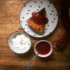 Mon Best-seller cuisiné par ma propre fille 😁🤗comme je suis fière 😄 sa première #tarteaufromageblanc 😃 ce petit pâtissier en herbe nous offre un petit tuto cuisine à retrouver en story.  Bon appétit les gourmands 👨🍳 et à tout vite pour de nouveaux tuto #cuisine  #pauldebauche #tutocuisine #cuisinierenherbe #stayathome #cuisinerchezsoi #cuisineravecsesenfants #cuisineravecsafille #fierté #recette #tarte #gourmandise #dessert #recettedessert #blogcuisine #cooking #instacuisine #ideerecette  Pudding, Desserts, Food, Cook, Grasses, Home Made, Greedy People, Tailgate Desserts, Deserts