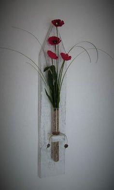 Deko Wanddeko Wandbrett Holz Shabby-chic künstliche Blüten Reagenzglas