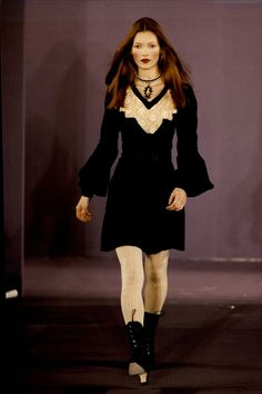 little-trouble-grrrl:Kate Moss at the Anna Sui autumn/winter 1993 show in New York
