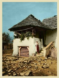 Romanian old house Cultural Architecture, Vernacular Architecture, Chinese Architecture, Turism Romania, Beautiful Places, Beautiful Pictures, Foto Art, Stone Houses, Fairy Houses
