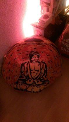 Buddha puff seat