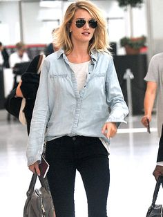 Star Tracks: Monday, June 8, 2015 | JET SETTER | Even when she's not glamming it up on the red carpet, Rosie Huntington-Whiteley maintains her supermodel style as she makes her way through London's Heathrow Airport on Friday.