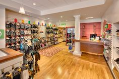 THE FOOT SPOT NAMED ONE OF THE TOP 10 FOOTWEAR STORES IN AMERICA It's an honor few footwear stores in America can ever hope to achieve: the Gold Medal Service Award. In early June, The Foot Spot was honored as one of the Top 10 independently owned shoe stores with the best customer service in …
