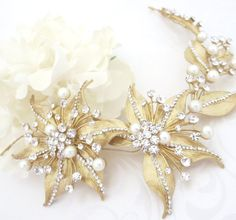 Bridal hair vine Gold Wedding headpiece Leaf by TheExquisiteBride Ozdoby  Hlavy 4e065f168a
